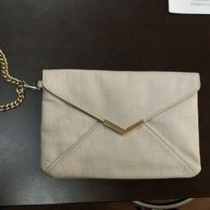 ENVELOPE CLUTCH WITH CHAIN STRAP